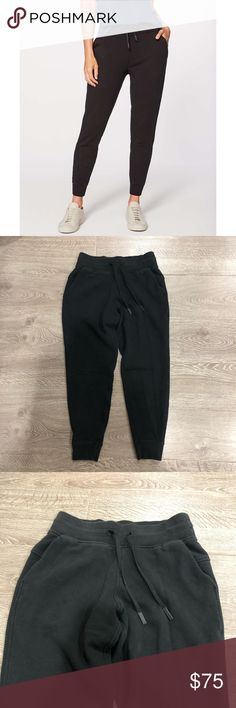 fd5d1d800 Lululemon Black Jogger Sweatpants Small 6 Lululemon yoga   gym   workout    casual lounge warm
