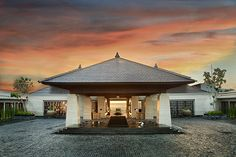 The Ritz-Carlton Bali is the perfect place to search for serenity, disconnect from the modern world and even take an Indonesian cooking lesson.