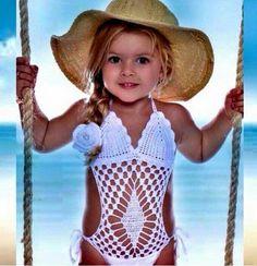 Crochet Swimwear Discovred by : Chiêu Firefly Crochet Crochet Toddler, Crochet Girls, Crochet Baby Clothes, Crochet For Kids, Little Girl Models, Cute Little Girl Dresses, Cute Girl Outfits, Vestidos Bebe Crochet, Baby Swimwear