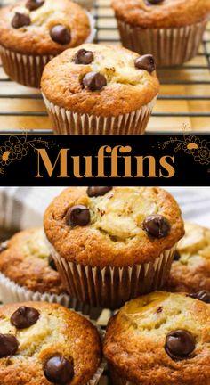 These Banana Chocolate Chip Muffins are the perfect holidays match. #dessert #muffins #bananamuffins #chocolatemuffins #breakfast