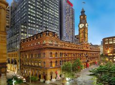 L'hotel Westin  di Sydney.                              http://i0.bookcdn.com/data/Photos/OriginalPhoto/720/72015/72015734/The-Westin-photos-Exterior-The-Westin-Sydney.JPEG