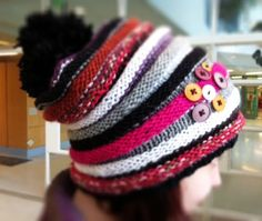 Need to find a pattern to make this for Alex Keep Warm, Beret, Knitting Projects, Knitted Hats, Crochet Patterns, Arts And Crafts, Villa, Wool, Beanies