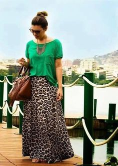 bowling outfit date Animal Print Skirt, Animal Print Outfits, Casual Outfits, Summer Outfits, Cute Outfits, Petite Outfits, Modest Fashion, Fashion Dresses, Maxi Skirt Outfits