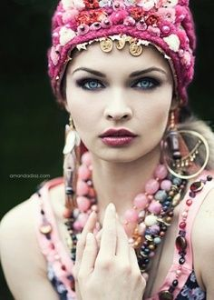 Gypsy makeup shoot inspiration, like the look but would use maybe grey or purple to soften the look