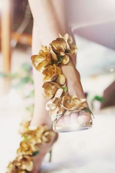 12 Pairs of Unbelievably Gorgeous Wedding Shoes with 3D Details!