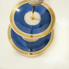Etagere+aus+Sammeltasse,+Vintage+blau+von+SinnesFreude+auf+DaWanda.com
