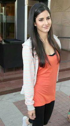 Katrina Kaif - www.vanitycasebox.com