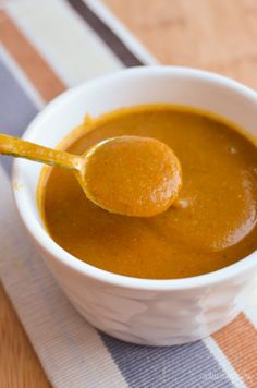 Slimming Eats Syn Free Chip Shop Curry Sauce - gluten free dairy free vegetarian paleo Slimming World Weight Watchers friendly Slimming World Curry Sauce, Slimming World Diet, Slimming Eats, Chinese Curry Sauce, Sauce Au Curry, Chip Shop Curry Sauce Recipe, Skinny Recipes, Healthy Recipes, Free Recipes