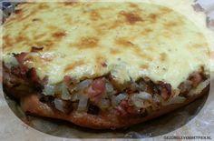 Uientaart - koolhydraatarm - glutenvrij - Broodbuik Voor bij de soep, of als hartige snack bij de borrel. Eet het warm of koud.
