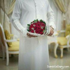 Muslim boy in white dress holding a rose bouquet Rose Wedding Bouquet, Rose Bouquet, Dubai, Hand Photography, Learn Photography, Arab Swag, Handsome Arab Men, Arab Wedding, Swag Boys