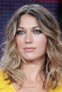 Natalie Zea- tousled beachy ombre hair medium length, with smokey eye look.