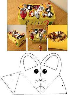 Bekijk de foto van sillyfish met als titel Kartonnen doos als 'kaas'. Kartonnen muisjes met een dropveterstaart en gevuld met spekjes. De muisjes liggen op de doos met het staartje door een gaatje in het papier. Aan het staartje zitten zakjes met stukjes kaas. Gemaakt voor de 3e verjaardag van mijn zoon als traktatie op het kinderdagverblijf. en andere inspirerende plaatjes op Welke.nl. New Year's Crafts, Diy And Crafts, Paper Crafts, Chinese New Year Crafts For Kids, Diy For Kids, Farm Animal Party, Mouse Crafts, Christmas Math, Paper Animals