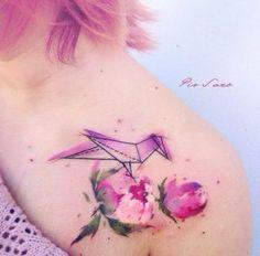 Bird on flower by Pis Saro