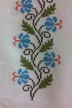 Some nice cross stitch design ideas at this link. Cross Stitch Boarders, Cross Stitch Bookmarks, Cross Stitch Heart, Cross Stitch Flowers, Cross Stitch Designs, Cross Stitching, Cross Stitch Embroidery, Cross Stitch Patterns, Kawaii Cross Stitch