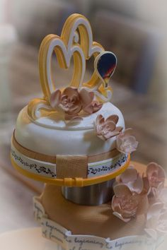 weddingcake about airbaloon, music, love and romance. Stories come to life at sakhemelsecreaties. Wedding Cakes, Romance, Music, Desserts, Life, Food, Wedding Gown Cakes, Romance Film, Musica