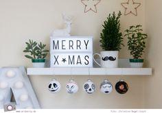 Weihnachtsdeko DIY: Weihnachtskugeln selbst bemalen Merry, Studio, Box, Christmas, Diy, Creative, Snare Drum, Studios
