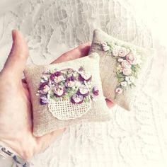 Wonderful Ribbon Embroidery Flowers by Hand Ideas. Enchanting Ribbon Embroidery Flowers by Hand Ideas. Cushion Embroidery, Silk Ribbon Embroidery, Embroidery Needles, Crewel Embroidery, Vintage Embroidery, Embroidery Patterns, Crochet Patterns, Lavender Bags, Quick Crochet