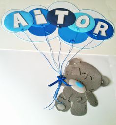 Oso gris con globos / Goma EVA / Craft Foam, A Mano / Handmade, Personalizable, Diferente. Visit www.gomaindociles.com
