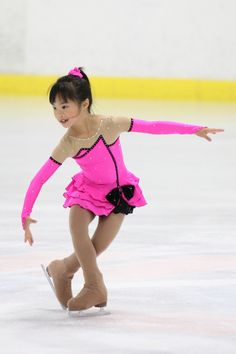 This reminds me of my daughter...back in the day.  Plus, how darn cute is this little skater??!