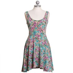Cute dress! Color combo is fab. $35