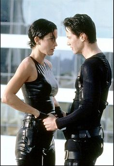 """Keanu Reeves y Carrie-Anne Moss en """"Matrix"""" (The Matrix), 1999"""