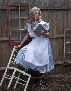 Alice Wonderland Cosplay