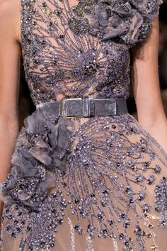 Elie Saab Couture, Beautiful Gowns, Beautiful Outfits, Fashion Week, Runway Fashion, Trendy Fashion, Fashion Trends, Glamour, Couture Dresses