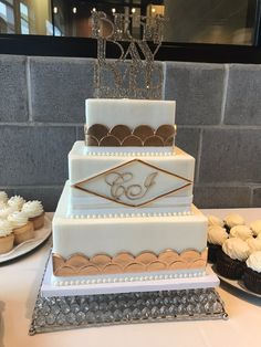 13 Best Classy Black Gold And White Cakes Images Gold White