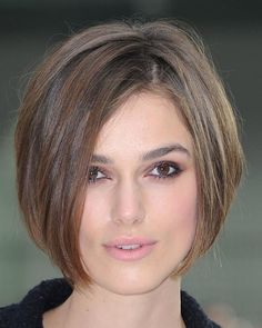 cortes de cabelo chanel curto If you liked this pin, click now for more details. Layered Bob Hairstyles, Short Bob Haircuts, Short Hairstyles For Women, Trendy Hairstyles, Straight Hairstyles, 2014 Hairstyles, Celebrity Hairstyles, Haircut Bob, Famous Hairstyles