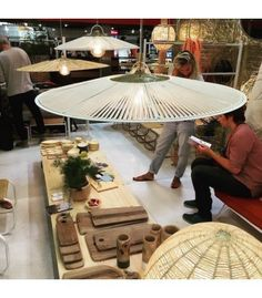 Suspension Parasol Honoré Outdoor Tables, Outdoor Decor, Parasol, Table Settings, Dining Table, Outdoor Furniture, Lights, Table Decorations, Home Decor