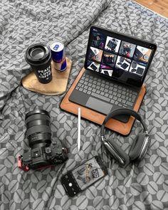 Computer Desk Setup, Gaming Room Setup, Workspace Desk, Iphone 6 Cases, Mobile Phone Cases, Iphone Pro, New Apple Ipad Pro, Photography Timeline, Home Office Setup