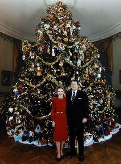 1981 Nancy Reagan theme:american folk art. The ornaments were loaned by the Museum of American Folk Art