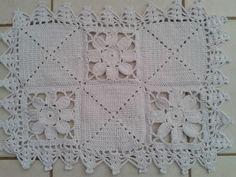 Tapete crochê barbante branco flor