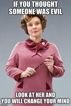 Although she was the most evil person in the world I loved to hate her. I would honestly rather hang out with Voldemort than Dolores Umbridge. Stay tuned for 26 more days of HPmania. Library Memes, Library Books, Library Posters, Library Skills, Library Ideas, Saga Harry Potter, Harry Potter Memes, Delores Umbridge, Imelda Staunton