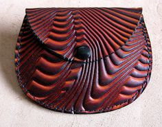 Leather coin purse wave pattern