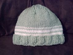 Everyday, Everything: Beginner knit baby hat