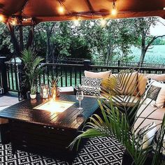 The Happiness of Having Yard Patios – Outdoor Patio Decor Backyard Patio Designs, Backyard Landscaping, Oasis Backyard, Backyard Porch Ideas, Cozy Backyard, Rooftop Patio, Backyard Bbq, Outdoor Rooms, Outdoor Decor