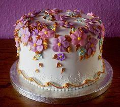 Nice Birthday Cake 2 500x449 Beautiful Cakes