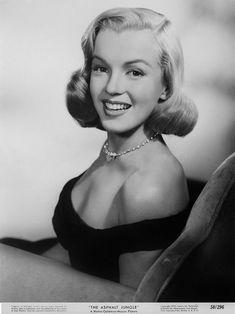Marilyn Monroe - The Asphalt Jungle (1950) - 8 1/2 X 11