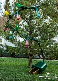 How to make HUGE outdoor Christmas lights with soda bottles!! I HAVE TO TRY THIS!