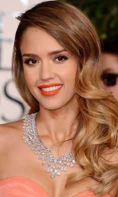 Jessica Albas Side Curls Stole The Show At The Golden Globes, 2013