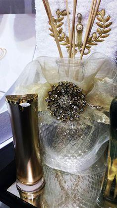 Aroma precioso! Este aromatizador de ambientes é uma verdadeira jóia. Um luxo para o  lavabo! #produtomaison #aromatizador #decoracao #luxo  #lavabo #maisondubanho