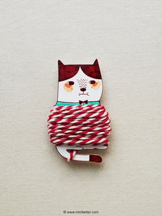 Handmade Cat Thread Holder with 4.5 Meter Bakers Twine - Shrink Plastic Thread Holder by minifanfan