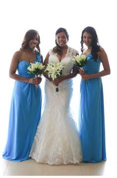 A+A bride Liz with her bridesmaids