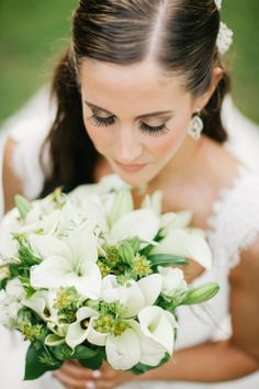 Bride's Ivory & Green Bouquet   Nyk & Cali Wedding Photographers   Cedarwood Weddings   http://www.theknot.com/submit-your-wedding/photo/65752dc5-b6a0-4638-b034-5b50602c5240/Heather-and-Coreys-Cedarwood-Wedding