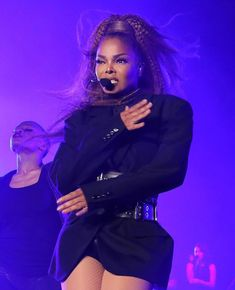 Janet Jackson calls out hate groups, police brutality and white supremacy with a powerful opening montage during her headlining 2018 ESSENCE Festival performance. Jackson Family, Janet Jackson, Michael Jackson, Essence Festival, The Jacksons, Black Celebrities, Black Women Art, African American Women, Young And Beautiful