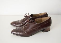 Vintage chocolate brown Stuart Weitzman oxford shoes