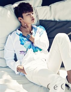 Korean Magazine Lovers : Photo seo in guk Asian Actors, Korean Actors, Asian Celebrities, Korean Idols, Bali, Seo In Guk, Brand New Day, Kdrama Actors, Jiyong