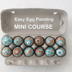 5 fundamentals that are dead easy but frequently omitted when trying to paint eggs. If only i knew! eggs decorating Easter egg painting the easy way! Diy Osterschmuck, Easter Egg Designs, Egg Dye, Diy Ostern, Diy Easter Decorations, Easter Centerpiece, Ramadan Decorations, Easter Crafts For Kids, Easter Gift