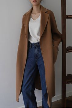 Classic camel coat Source by Fashion outfits Winter Coats Women, Coats For Women, Clothes For Women, Fall Coats, Mantel Camel, Outfits Inspiration, Camel Coat Outfit, Modele Hijab, Winter Mode